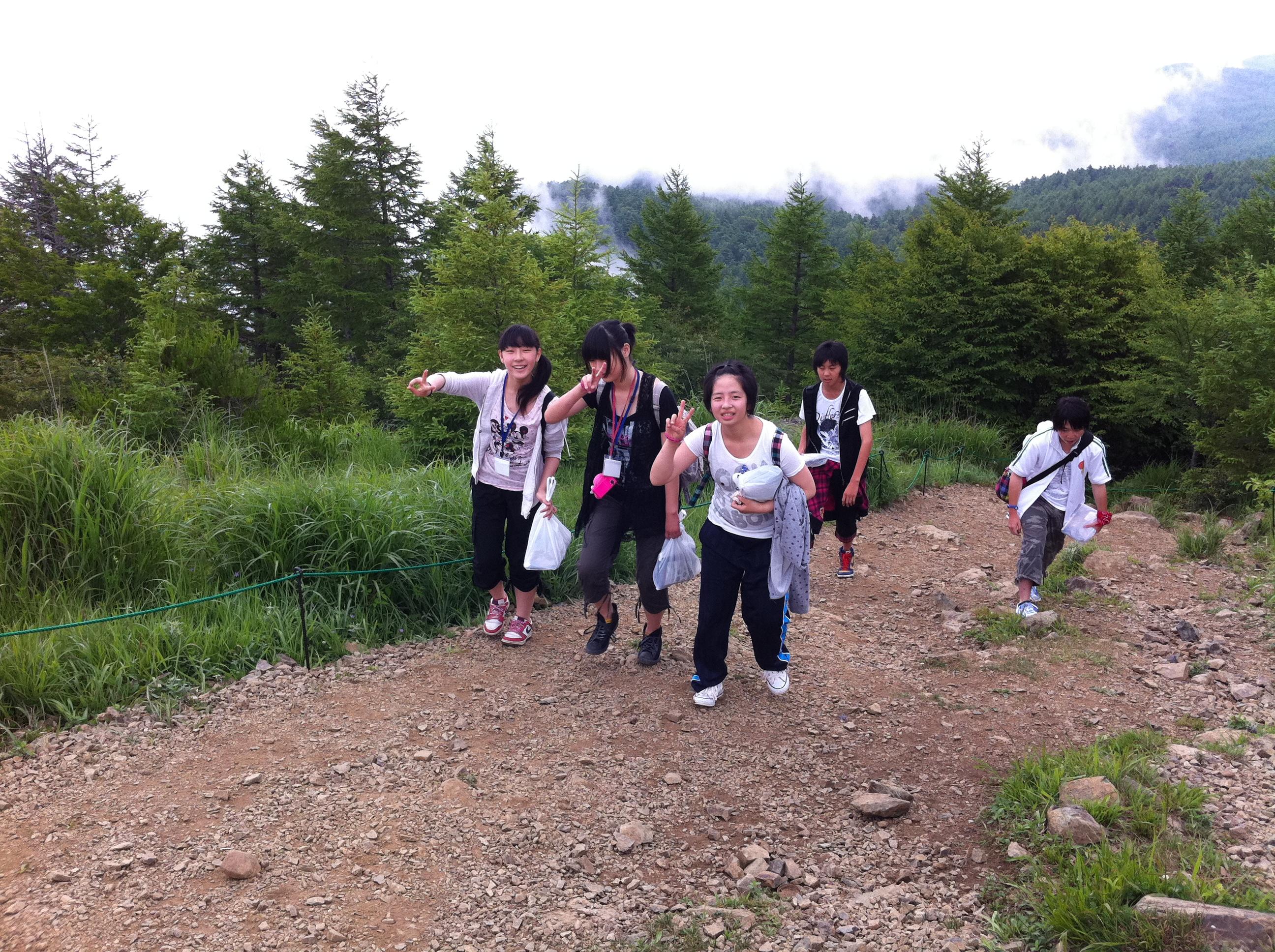 http://www.kodomonotsubasa.com/2011/07/26/0726hiking18.JPG