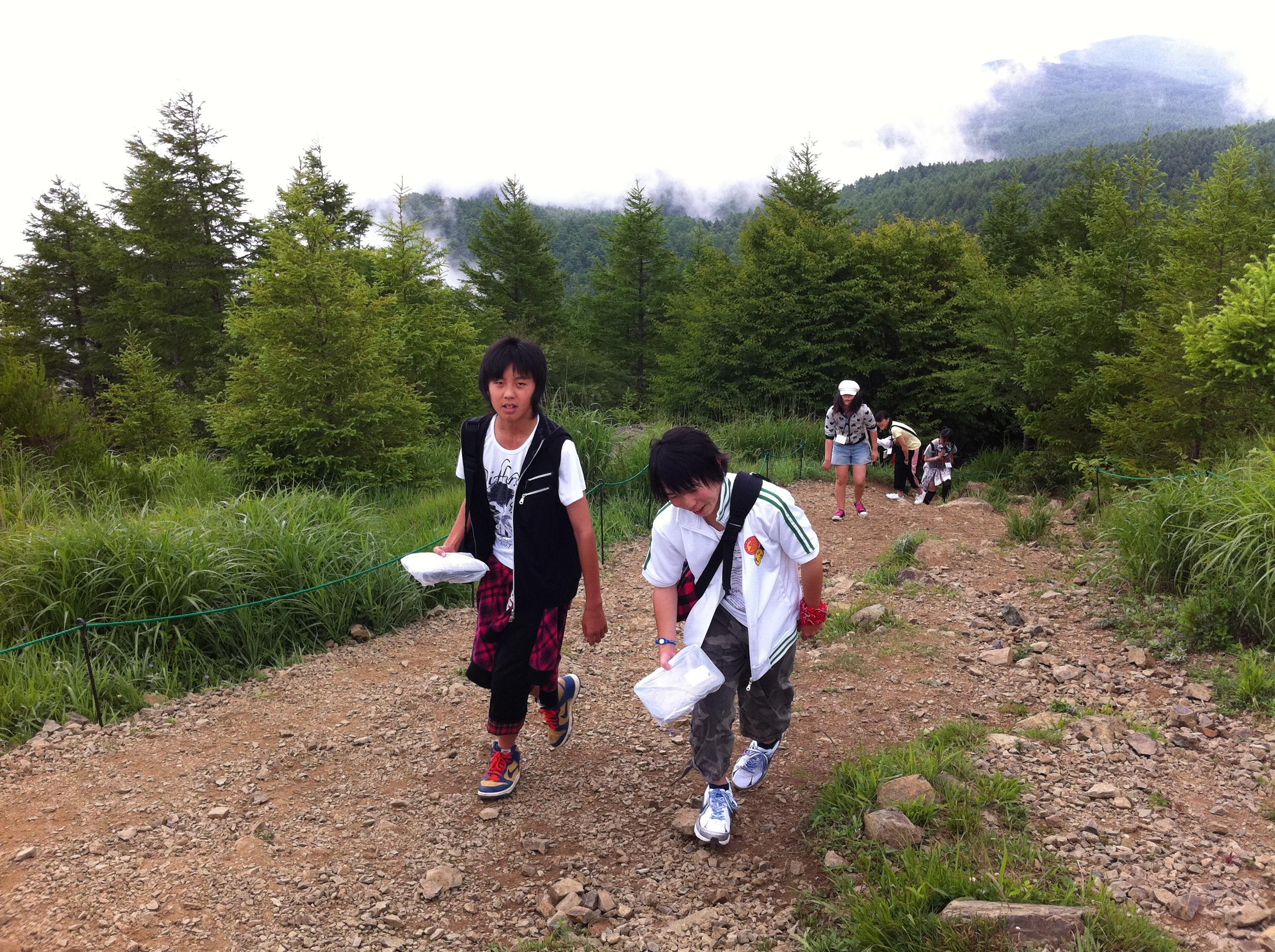 http://www.kodomonotsubasa.com/2011/07/26/0726hiking19.JPG