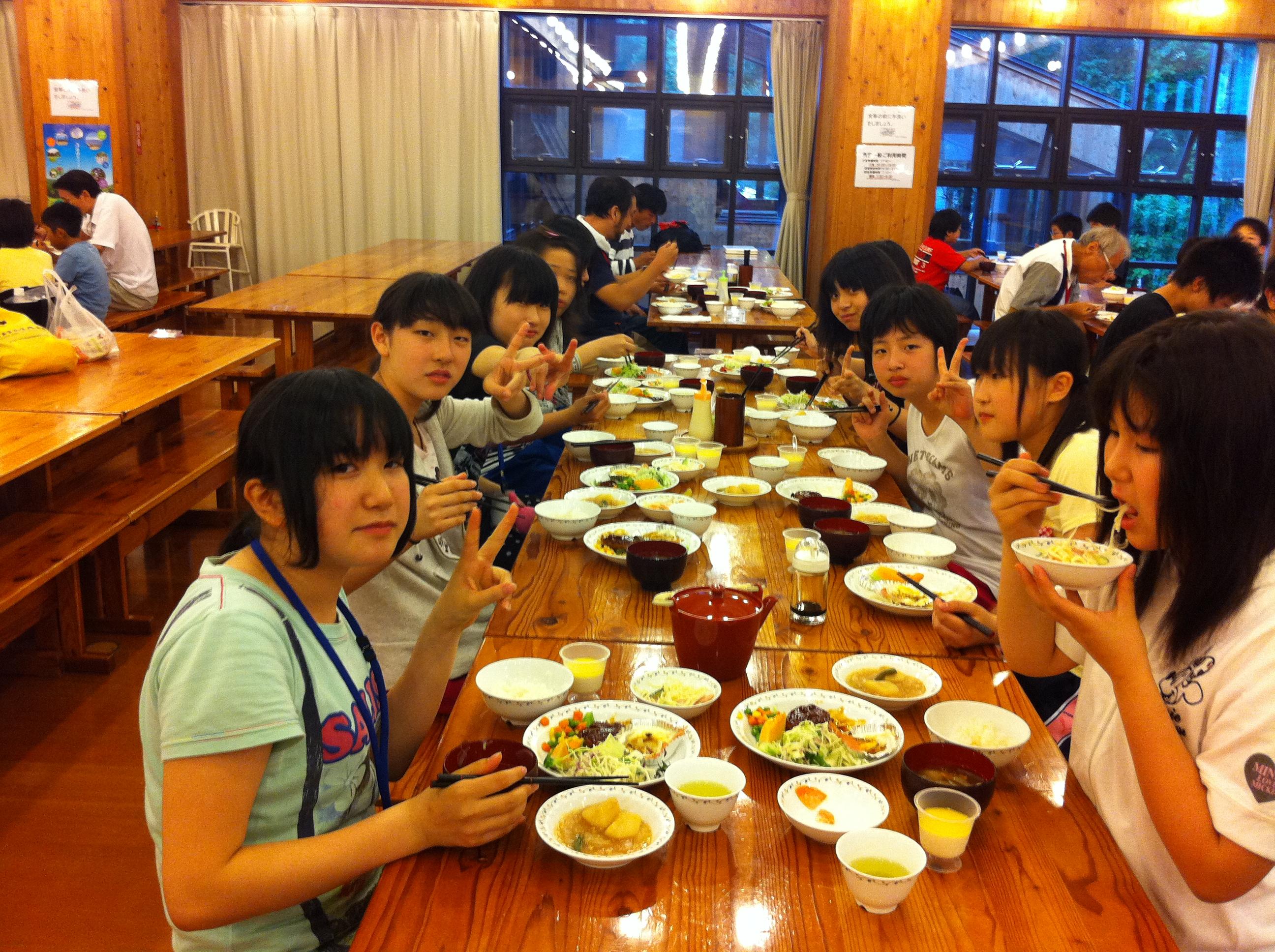 http://www.kodomonotsubasa.com/2011/07/26/0726yushoku05.JPG