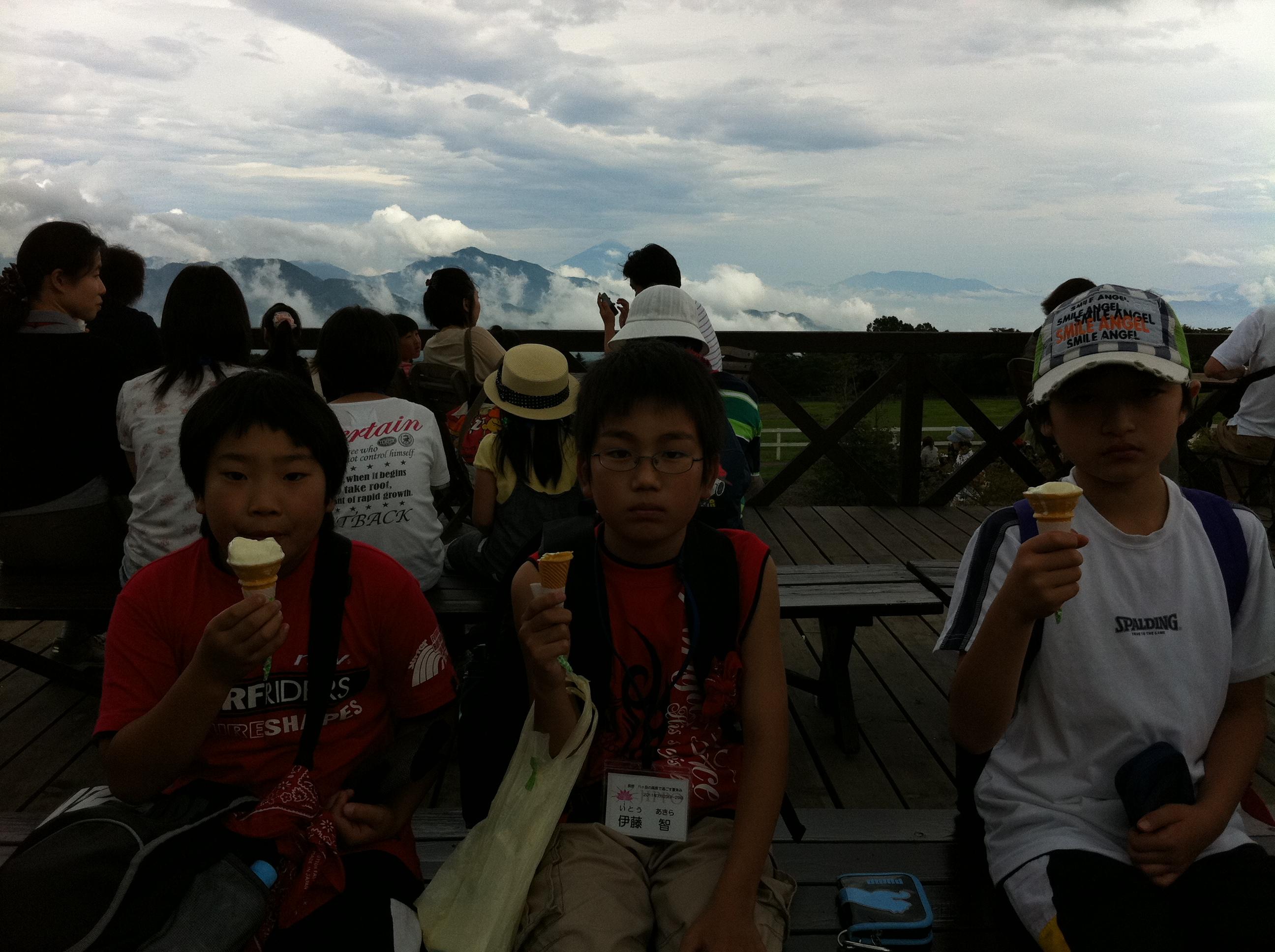 http://www.kodomonotsubasa.com/2011/07/29/0728seisen09.JPG