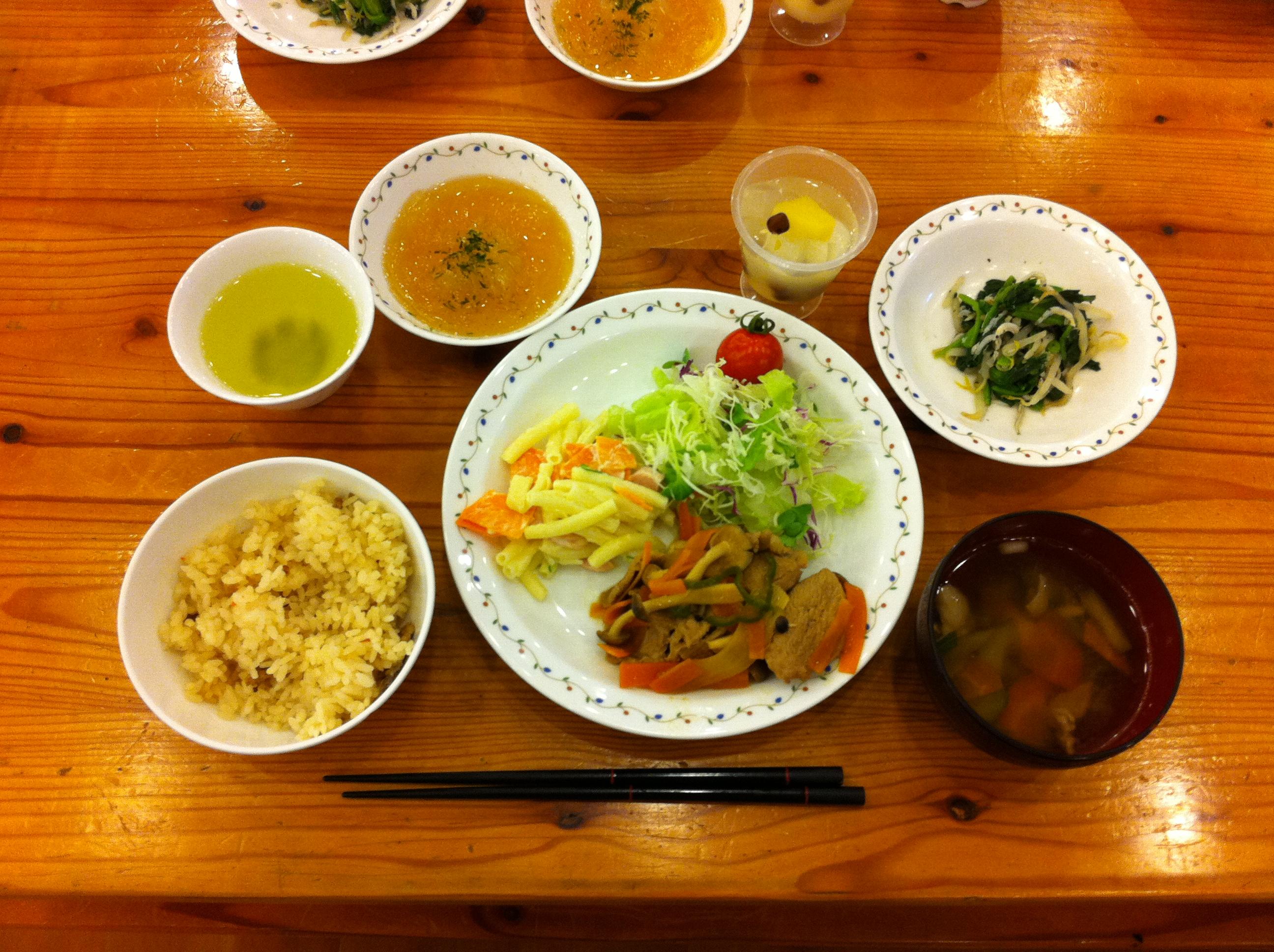 http://www.kodomonotsubasa.com/2011/07/29/0728yusyoku01.JPG